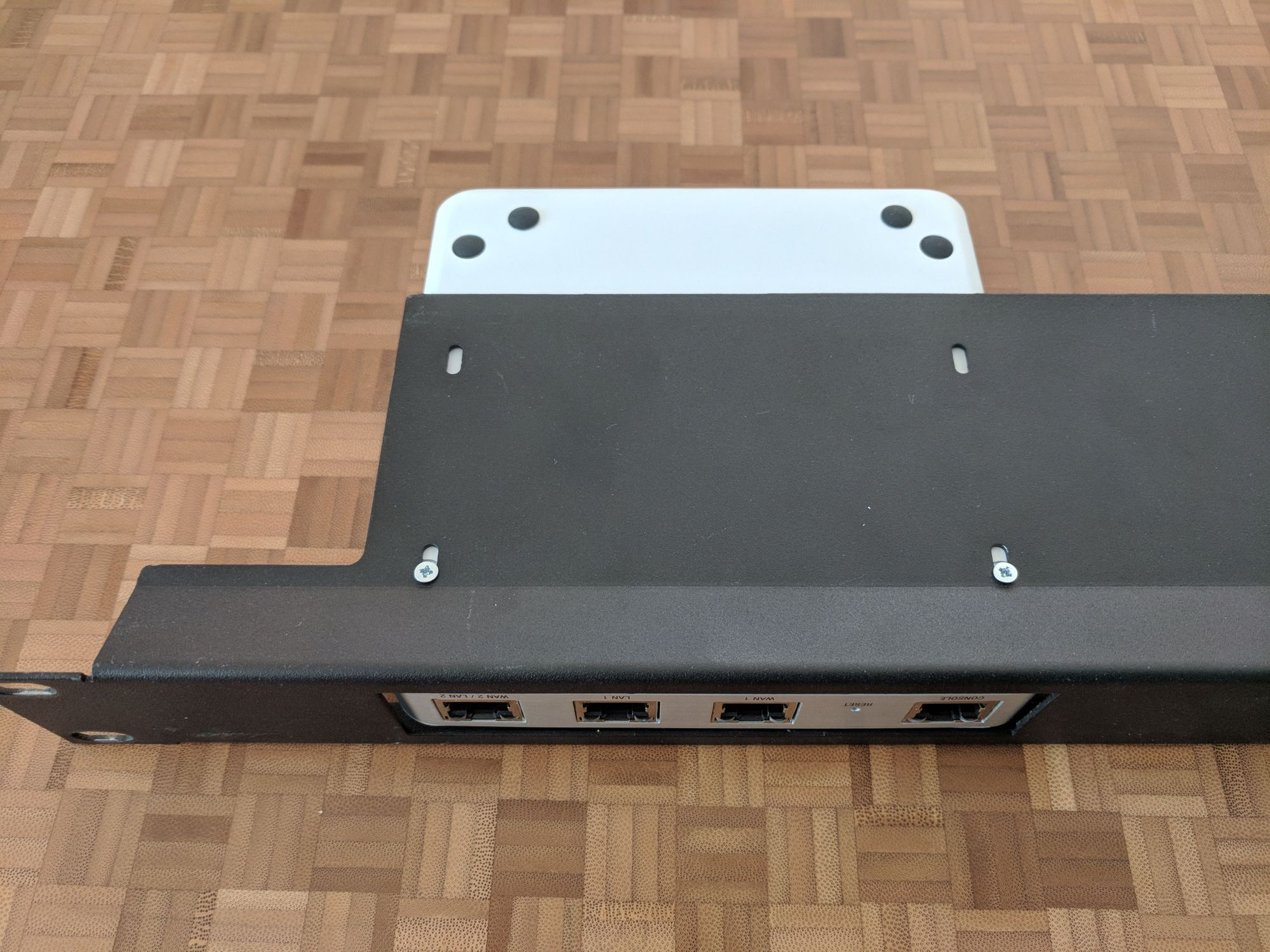 1U Rackmount Bracket//Shelf for Unifi Security Gateway